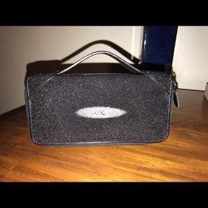 Handbags - Stingray clutch